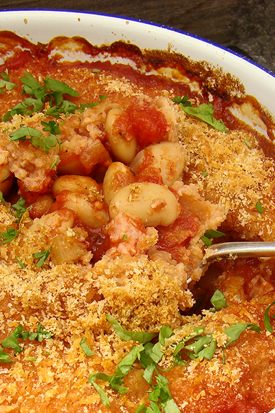 Cape Treasures Smoked Seasoning: Baked Butter beans in Tomato Sauce with Bacon.